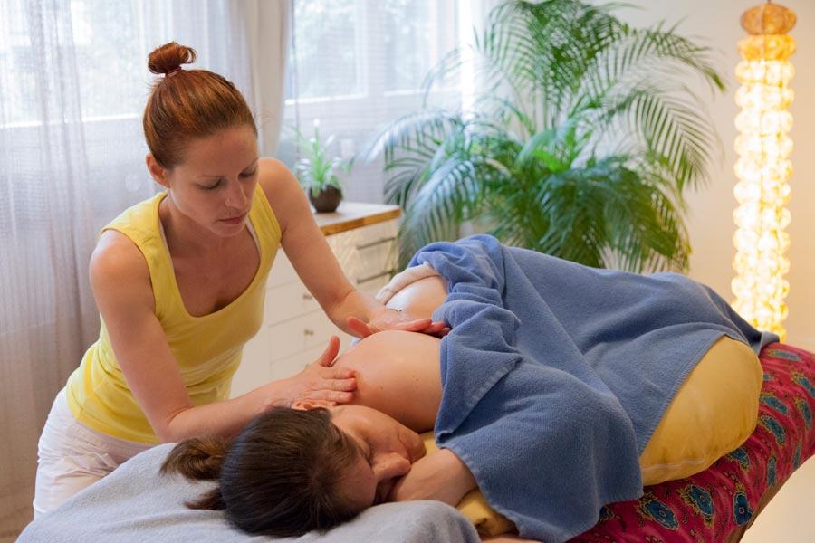 Seitenlagemassage für Schwangere