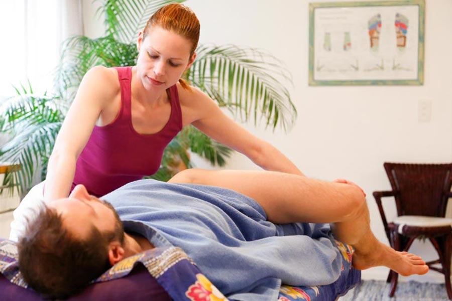Yogamassage mit Öl